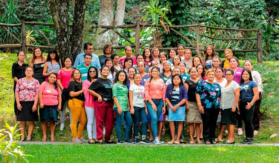 Fortaleciendo y uniendo familias para ser Muchas Más